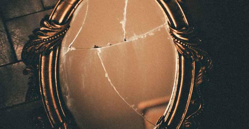 broken-mirror.jpg