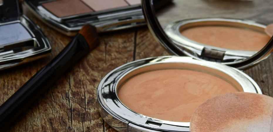 makeup-compact-eyeshadow.jpg