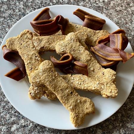 cheddar-bacon-dog-treats.jpg